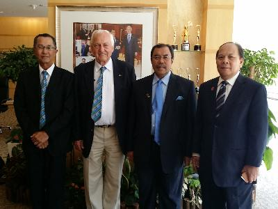 From l.t.r. Hanifah Yoong, Organiser, IWWF President Kuno Ritschard, Tan Sri Dato Seri Aseh Bin Che Mat, President of Putrajaya, Dato Rosle Jaamat, Managing Director of WARISAN Marketing