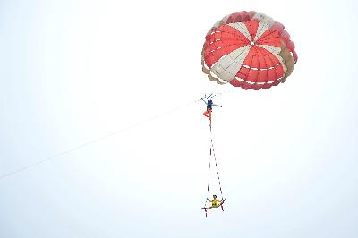 China's parachute act