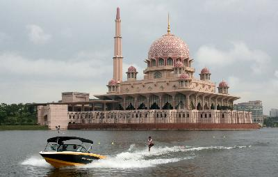 The Putra Mosque at Kelab Tasik (Lake Club) Putrajaya, Malaysia