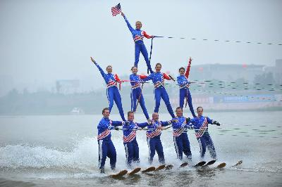 The Rock Aqua Jays Show Ski Team from Wisconsin - USA