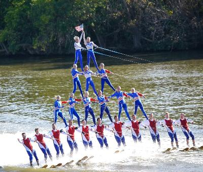 Team USA executes a 4 tier pyramid<br>Photo: www.MindWorksPhotography.com